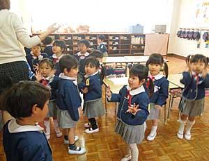 幼稚園生活がスタートしましたよ_e0325335_15552889.jpg
