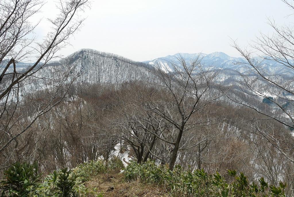 4月9日、三角山から奥三角山_f0138096_10111537.jpg