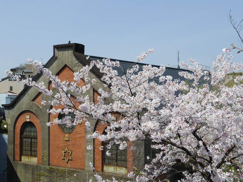 蹴上発電所は日本最初の事業用水力発電所なんです!_b0215856_10321879.jpg