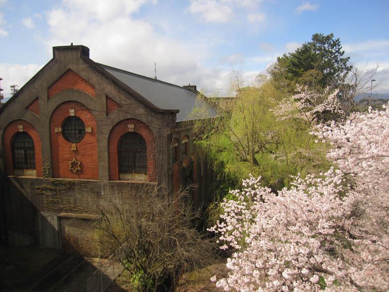 蹴上発電所は日本最初の事業用水力発電所なんです!_b0215856_10391213.jpg