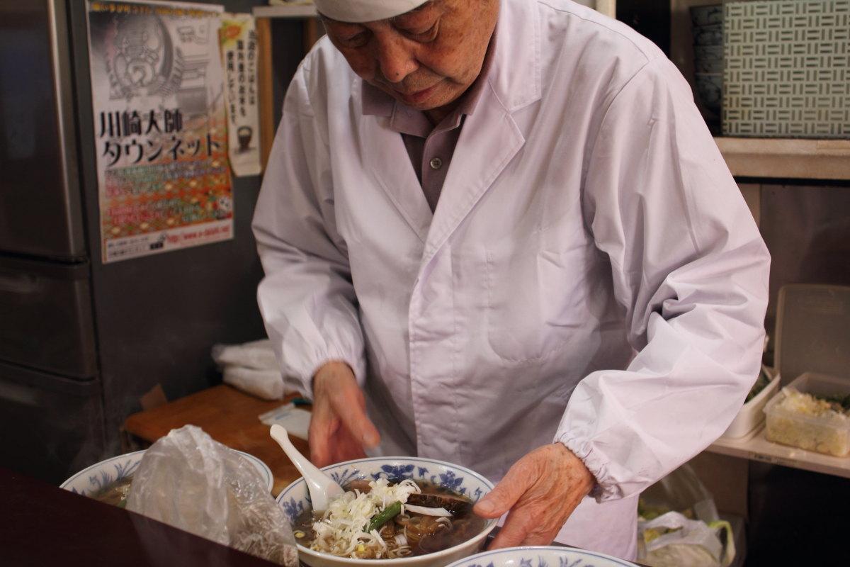 川崎大師  かなまら祭と中華「大新」_b0061717_1049388.jpg