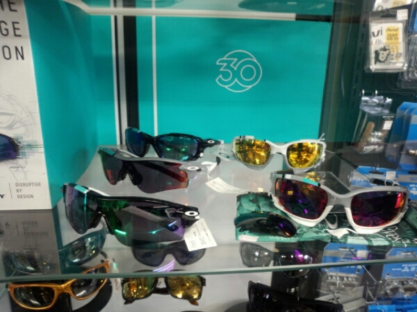 OAKLEY  HERITAGE COLLECTION_b0282021_17341862.jpg