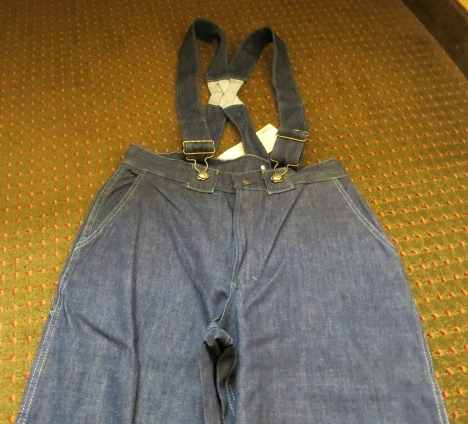 アメリカ仕入れ情報#18  デッドストック大量 発見!70'S OSHKOSH  PANTS!_c0144020_859176.jpg