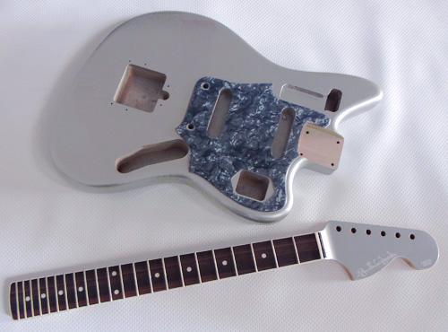 「Platinum Silver MetallicのCheetah」の塗装が完了!_e0053731_17143268.jpg