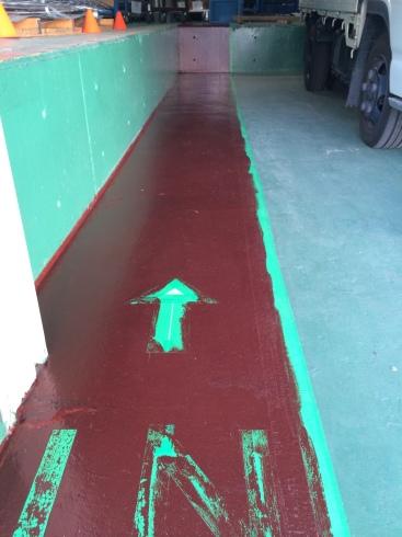 入り口のペンキ塗り_d0085634_15294778.jpg