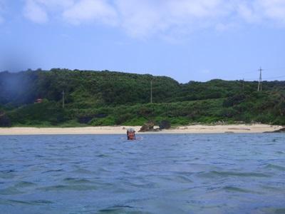 4月 14日 久々にナーマ浜でシュノーケルです。_b0158746_174394.jpg