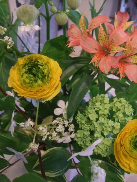 オークリーフ花の教室(赤地さんと宮原さんの作品)_f0049672_1730362.jpg