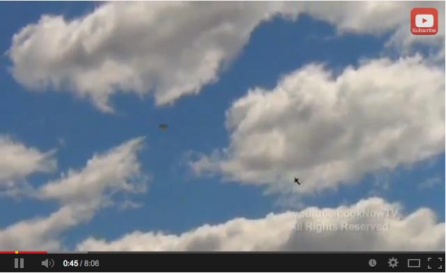 最近のUFO映像の数々2:それにしてもたくさん飛んでいるナア!_e0171614_18103287.png