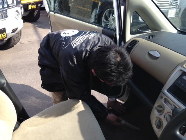山本が送ります(●ゝω・)ノ4月16日本店 TOMMMYの1日~ランクル ハマーアルファード_b0127002_2071799.jpg