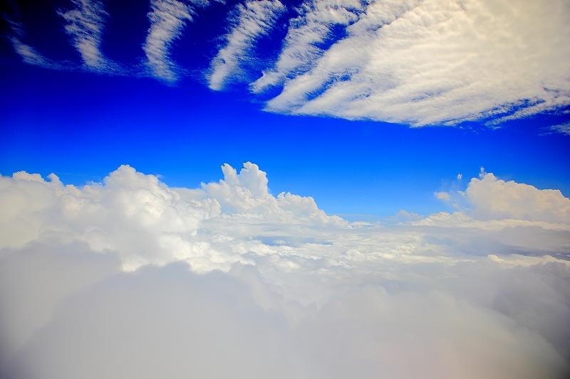 雲の中 @宮古島上空あたり…。_c0247313_23121263.jpg