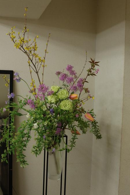 定期レッスン3月 春の花木の花瓶活け前篇 複数の花から枝ものまで_a0042928_16175452.jpg