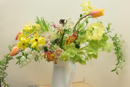定期レッスン3月 春の花木の花瓶活け前篇 複数の花から枝ものまで_a0042928_16181055.jpg