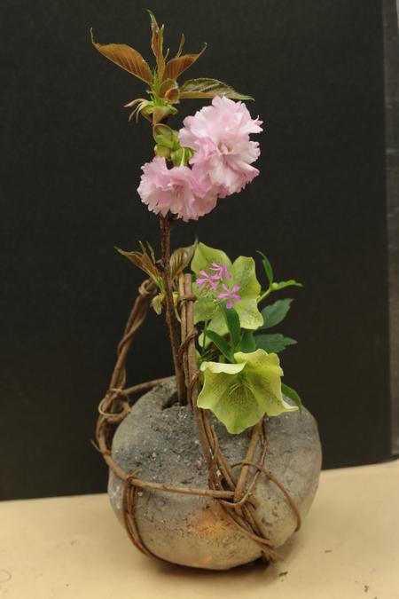 定期レッスン3月 春の花木の花瓶活け後編 一種か二種の花で_a0042928_17134328.jpg