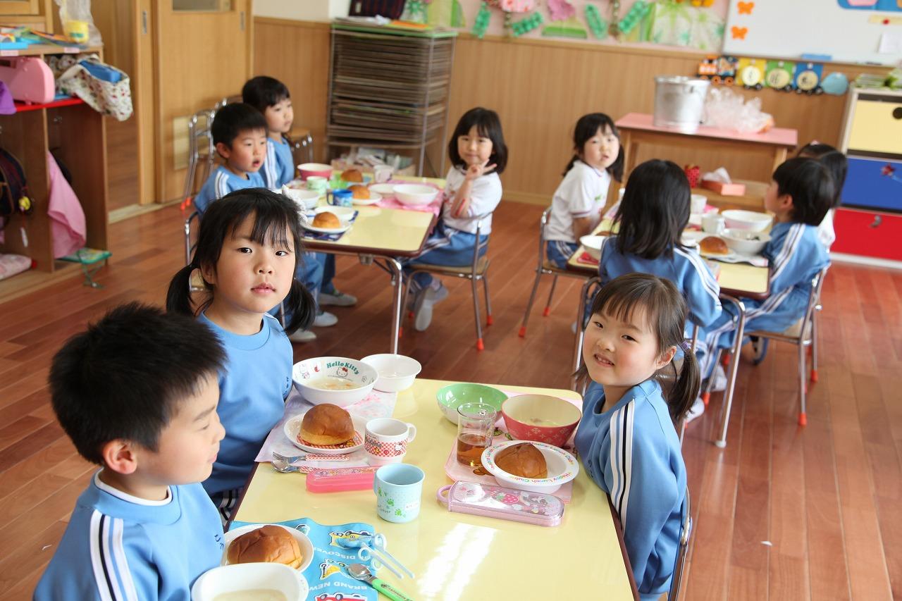 おいしいパンの給食_b0277979_16462547.jpg