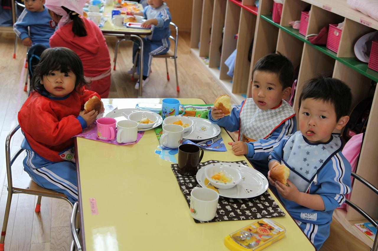 おいしいパンの給食_b0277979_16464634.jpg