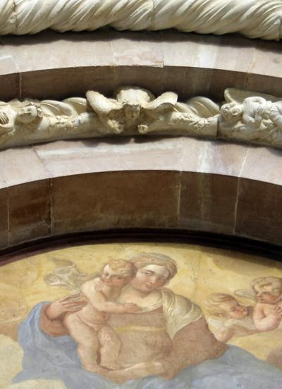 ラクイラ3. 緑に囲まれた珠玉の聖堂〜サンタ・マリア・ディ・コッレマッジョ_f0205783_10485096.jpg
