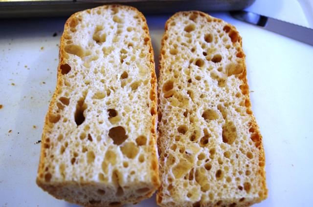 フランスパン何百本目なんだろ?_e0167593_0111233.jpg