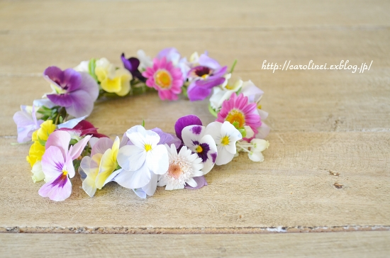 庭の花で花かんむり Flower Crown With The Violas In My Garden