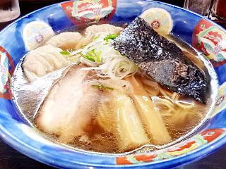 支那そば かつみ@学園 ★★ (ワンタン麺 黒だし)_f0080612_20121892.jpg