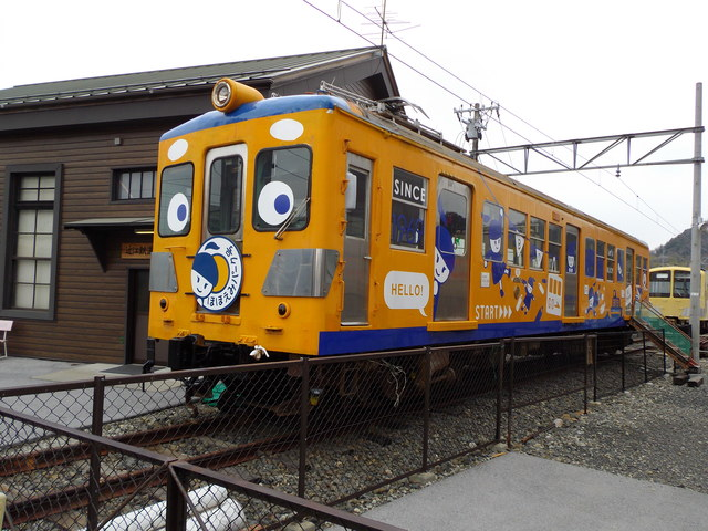 彦根駅前のなんか_c0001670_22421397.jpg