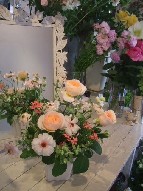 オークリーフ花の教室(長尾さんと出口さんの作品)_f0049672_1725553.jpg