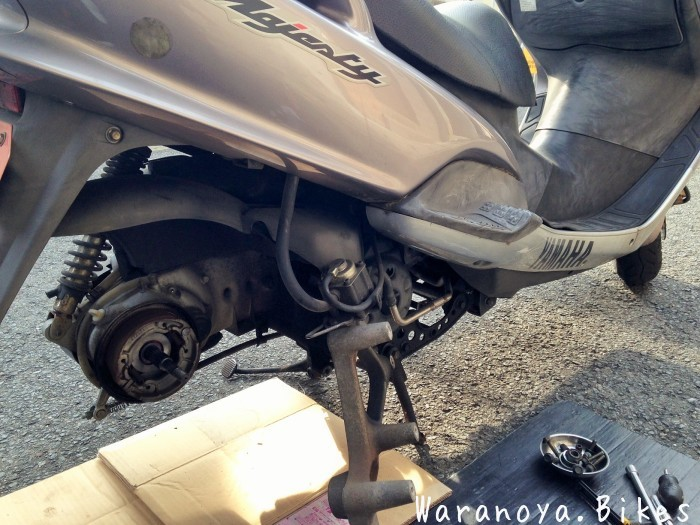 後輪タイヤの交換ご依頼でした ...