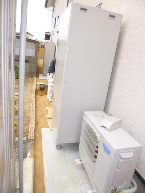 環境型給湯器設置です_e0064493_18235029.jpg