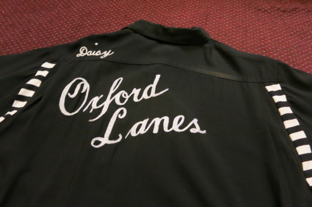 アメリカ仕入れ情報#58 50'S BLACK レーヨン ボーリングシャツ!_c0144020_1195946.jpg