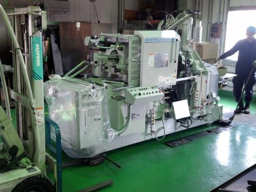 鋳造機搬入。_e0045139_1854511.jpg