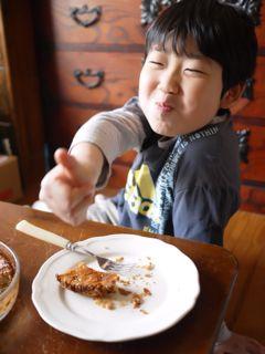 自分で作ったバースディケーキのお味は by Meg_c0008664_1436016.jpg