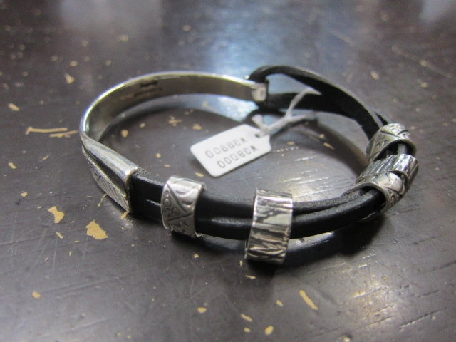 Michael Roanhorse  etc.. TOP ARTIST モノ SILVER BANGLE!★!_d0152280_142915100.jpg