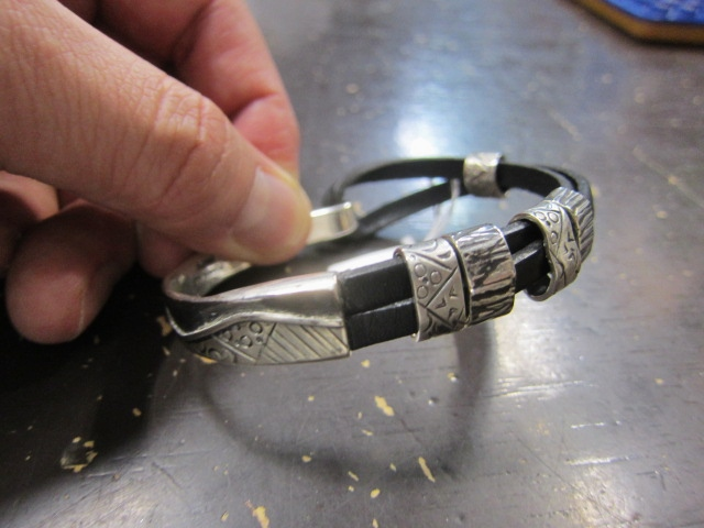 Michael Roanhorse  etc.. TOP ARTIST モノ SILVER BANGLE!★!_d0152280_14292988.jpg