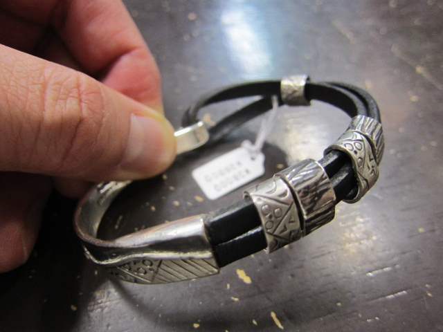 Michael Roanhorse  etc.. TOP ARTIST モノ SILVER BANGLE!★!_d0152280_14293695.jpg
