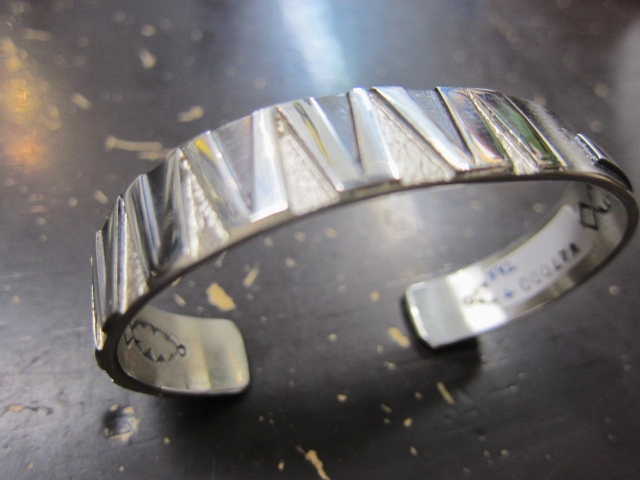 Michael Roanhorse  etc.. TOP ARTIST モノ SILVER BANGLE!★!_d0152280_14305962.jpg