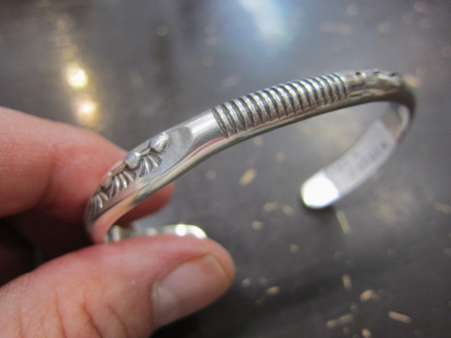 Michael Roanhorse  etc.. TOP ARTIST モノ SILVER BANGLE!★!_d0152280_1439736.jpg