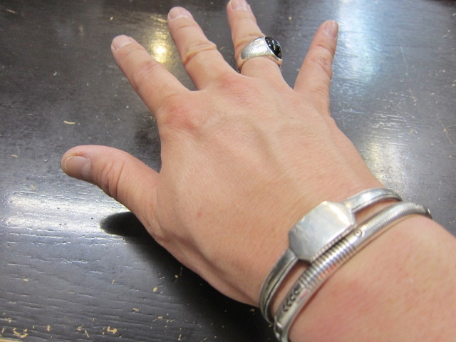 Michael Roanhorse  etc.. TOP ARTIST モノ SILVER BANGLE!★!_d0152280_14402136.jpg
