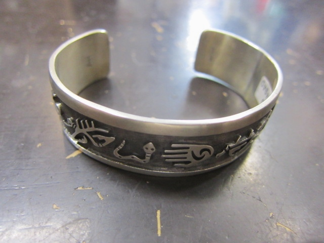 Michael Roanhorse  etc.. TOP ARTIST モノ SILVER BANGLE!★!_d0152280_14423739.jpg