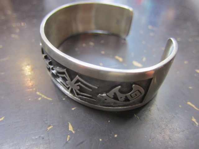 Michael Roanhorse  etc.. TOP ARTIST モノ SILVER BANGLE!★!_d0152280_14424483.jpg