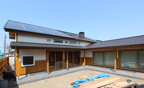 大窓8kW花園町の家:南側外観_e0054299_15532023.jpg