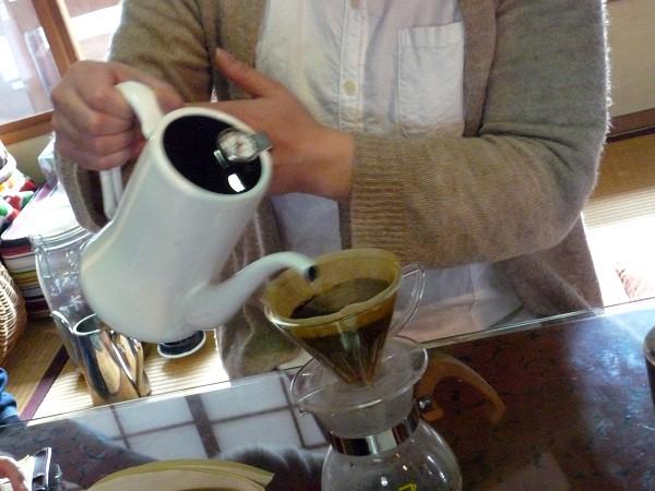「ひみつカレー」と「アルパカコーヒー」の<スパイスとコーヒーで心もからだもぽっかぽか教室>_e0152073_22545131.jpg