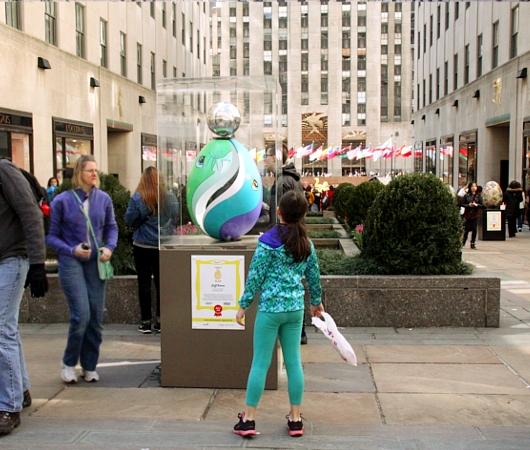 NYの街中で卵型アートのエッグハント、The Fabergé Big Egg Hunt_b0007805_14131790.jpg