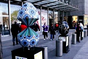 NYの街中で卵型アートのエッグハント、The Fabergé Big Egg Hunt_b0007805_14135055.jpg