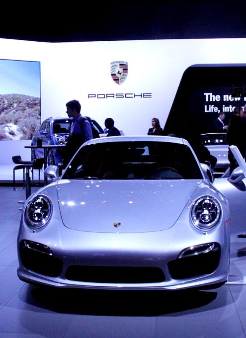 NY国際オートショーから超高級車をチラホラと・・・_b0007805_827035.jpg