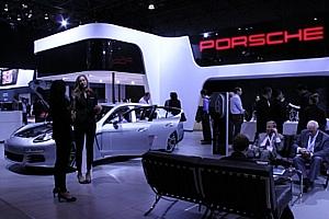 NY国際オートショーから超高級車をチラホラと・・・_b0007805_8275273.jpg
