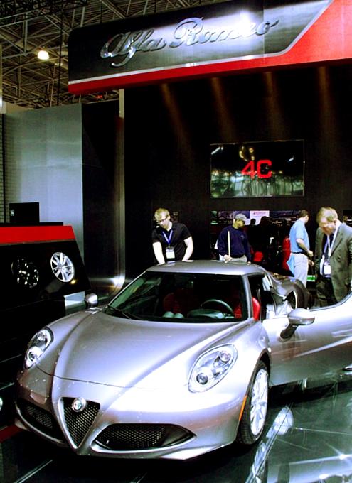 NY国際オートショーから超高級車をチラホラと・・・_b0007805_8294942.jpg