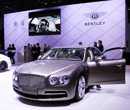 NY国際オートショーから超高級車をチラホラと・・・_b0007805_8305320.jpg
