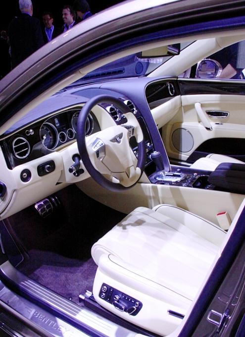 NY国際オートショーから超高級車をチラホラと・・・_b0007805_8471623.jpg