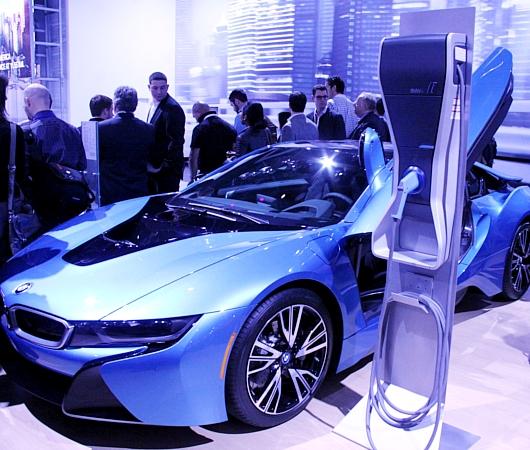 NY国際オートショーから超高級車をチラホラと・・・_b0007805_8484945.jpg