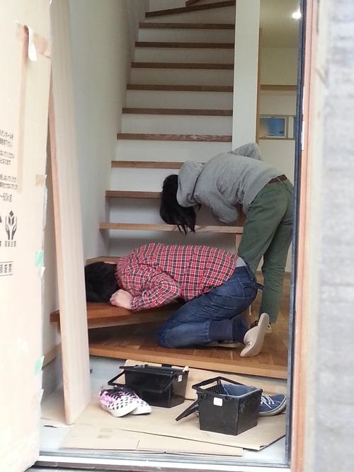 床塗装を行ないました。_a0148909_11241857.jpg