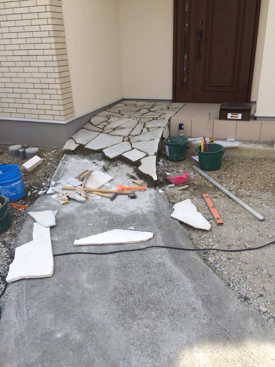 大阪府茨木市 住宅の外構工事がスタートしました。_f0300358_14445033.jpg